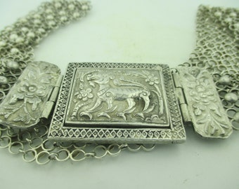 Antique Exquisitely Hand Crafted Repousse Solid Silver Asian Belt w/ Ornate Links.