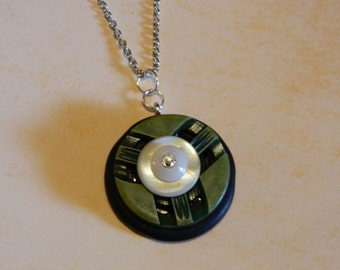 Vintage Button Pendant Necklace With Mother of Pearl Button in Center with Swarovski Crystal.