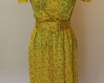 vintage liz claiborne petite yellow silk dress flutter sleeve yellow silk dress sz 2
