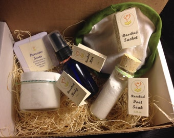 The Rosebud package is a great gift for pregnant women or anyone who is looking for a package to soothe nausea & revitalize the body