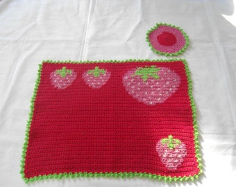 crochet placemat with strawberries