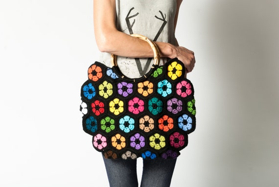 Crochet Bag Bamboo Handles Pattern : Crochet Bag With Bamboo Handles Fashionable Granny square bag