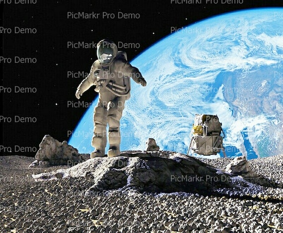 Moon and Earth Astronaut - Edible Cake and Cupcake Topper For Birthday's and Parties! - D9512