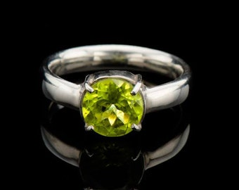 Peridot engagement ring in sterling silver, Solitaire ring green peridot, August birthstone  natural peridot gemstone