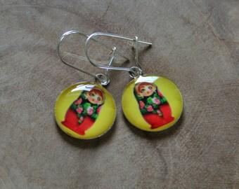 Dangeling Matryoshka earrings: Yellow