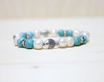Turquiose bead & Freshwater Pearl Bracelet (Fish)