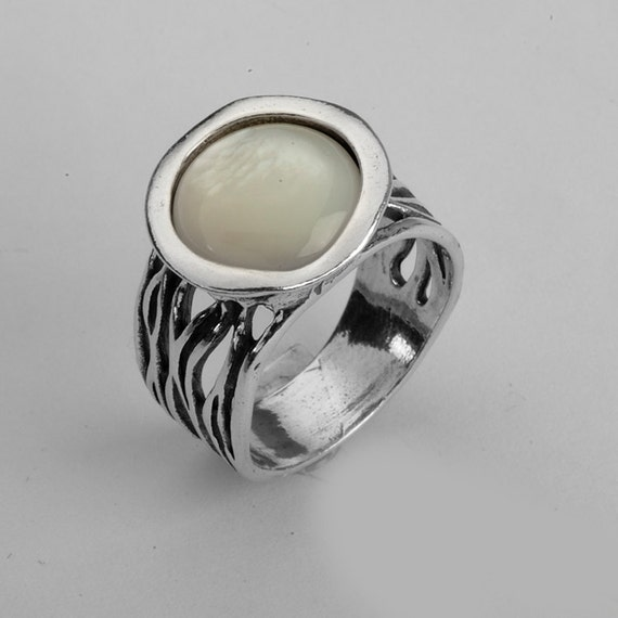 Sterling Silver Carved Band Ring With A 12Mm Round Mother Of Pearl Top