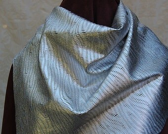 Italian leather collar or capelet, silver colored, with beautiful lace cut design. Completely hand-crafted.