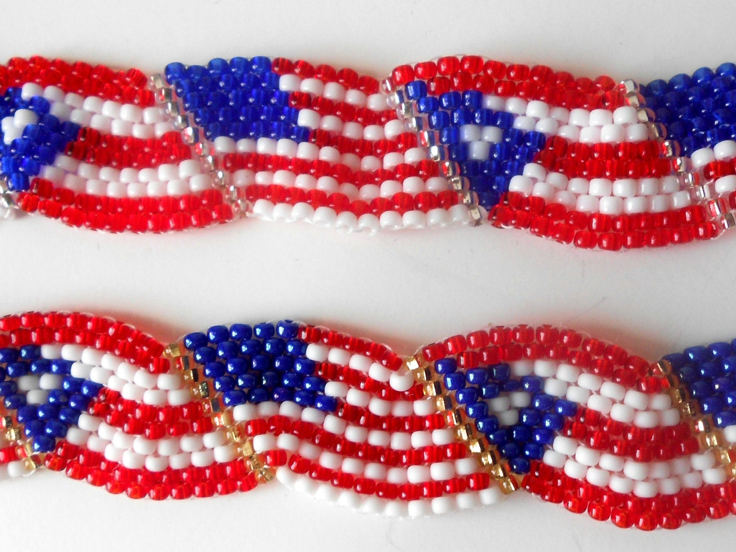 Wavy puerto rican american flag bracelet by for Patriotic beaded jewelry patterns