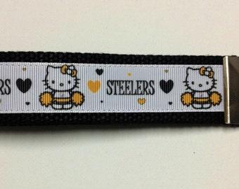 Key fob/wristlet keychain Kitty Pittsburgh Steelers design with black webbing