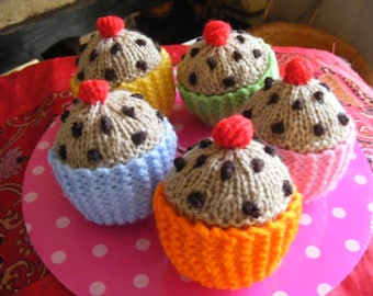 5 hand knitted currant buns cupcakes