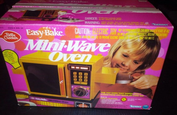 Working Vintage Easy Bake Mini Wave Oven Made 1978 By