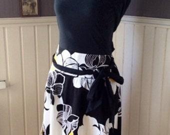 Cotton Bold-Print Skirt with Tie-Belt
