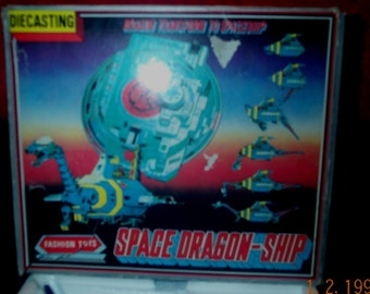 Die Cast Space Dragon-Ship by Fashion Toys