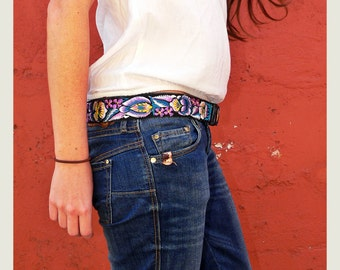 Leather belt with traditional Guatemalan embroidery, Gift for her, Medium belt- Jardin (Garden) Violet, White, Turquoise JDB8M