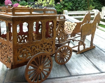 Wooden lace coach