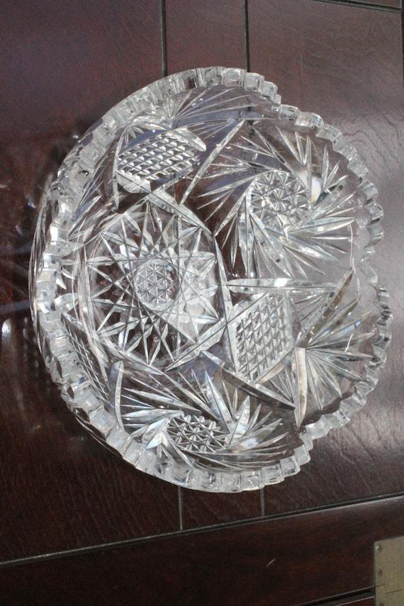 In Crystal Cut Glass Bowl Pinwheel Design