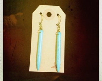 Turquoise belanoid spike earrings