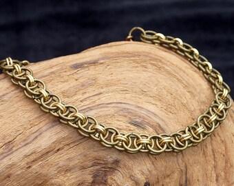 Bracelet - Green & Gold chainmaille bracelet