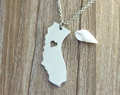 I heart California Necklace - California Pendant - State Necklace - State Charm - Map necklace - Map Jewelry