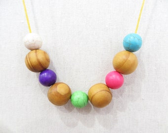 Natural Wooden and Howlite Necklace