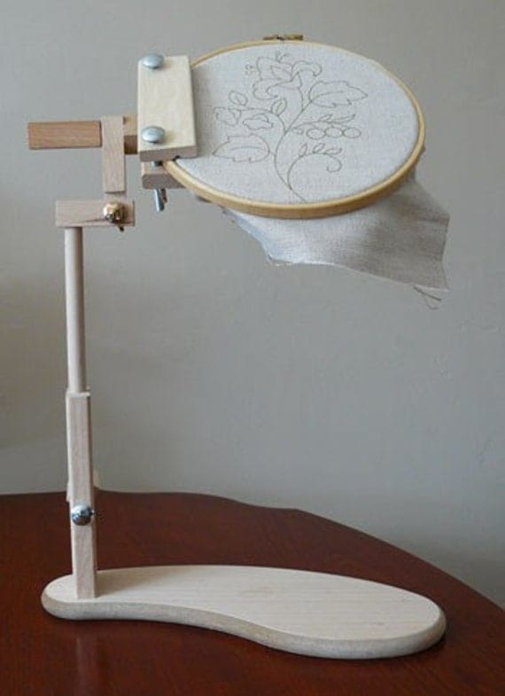 how to make an embroidery hoop stand