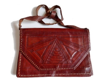 MOROCCAN 70's tooled all leather clutch Bag // cross body bag // old tooled leather vintage bag