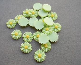 100pcs Green Color Resin Sunflower Charms--14mm