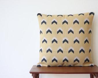"22"" x 22"" Pillow Cover Geometric Pattern Yellow Arrows Cushion Cover Throw Cushion Cover 20"" x 20"" 22"" x 22"""