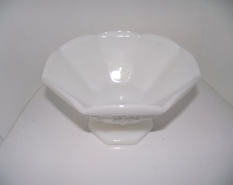 Vintage shabby chic milk glass fruit bowl compote pedestal grapes and leaf