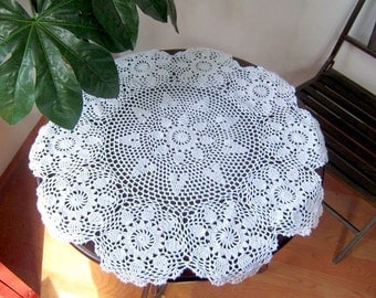100% handmade crochet tablecloth, handmade table cover,round table topper for home decor, wedding centerpieces