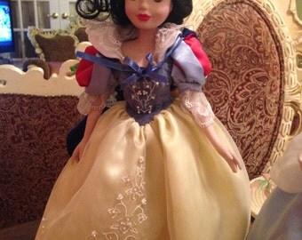 Disney Princess Snow White collectable porcelain doll
