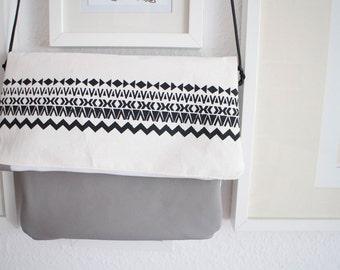 Aztekoluzi handbag handmade silkscreen upcycling leather strap