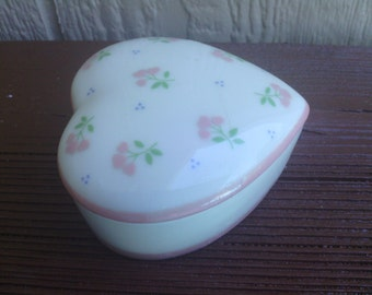 Darling Heart Shape Floral Design Trinket Box, Crowning Touch.