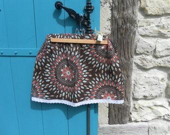 Skirt escutcheon woman