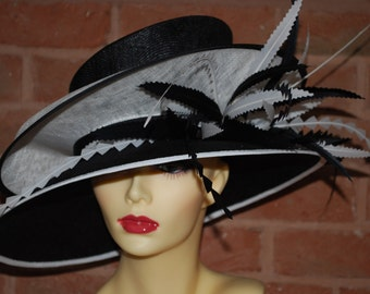 Double feature Brimmed hat in Black and White One Off