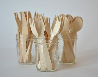 Set of 25 Disposable Wooden Forks // Wooden Cutlery // Picnic Utensils