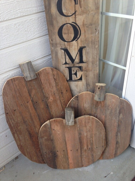 3 Wood Pumpkins And Welcome Sign