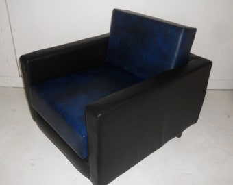 American Diner Urban Retro Chair Upholstered in Premium Black  And Navy Blue Faux Leather