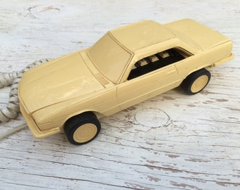 1980's  car shaped telephone.