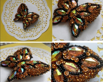 Broosh butterfy with bead