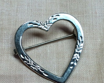 Vintage Etched Sterling Heart Pin Brooch