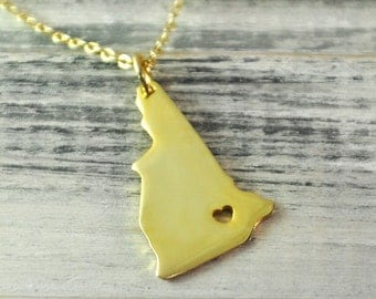 I  heart  New Hampshire  Necklace New Hampshire  pendant 18K gold plated state necklace state pendant map pendant  hammered state necklace