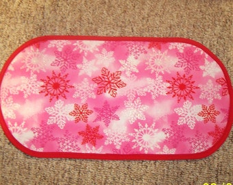 "Holiday Christmas Pink snowflakes Table Runner Placemat Centerpiece 12 1/2"" x 23 3/4"""