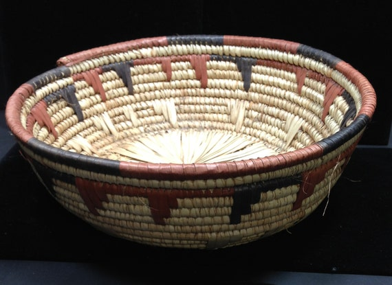How To Hand Weave A Basket : African basket hausa nigeria handmade hand woven grass dyed