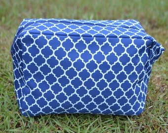 Personalized Cosmetic Tote-Navy Quatrefoil