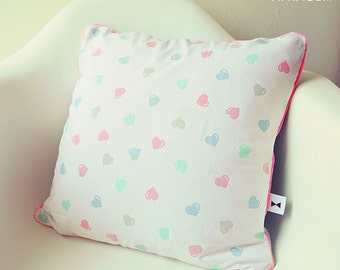 Cushion vintage small pastel hearts