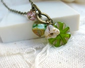 Beaded charm necklace : Granny Smith