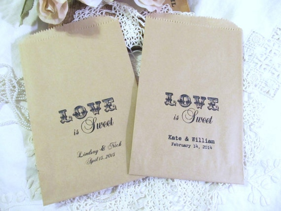 Love is Sweet Kraft Gift Wedding Favor Treat Candy Bags - Personalized - Set of 20 - Rustic Vintage Style Wedding Favor