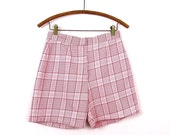 1970s Red & White Plaid Shorts Size M